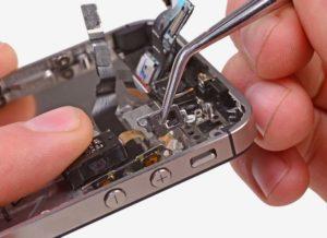 Если залипла кнопка на телефоне можно ли его вернуть по гарантии