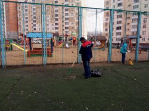 Кому принадлежит детская площадка в тсн