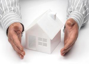 Где дешевле застраховать квартиру