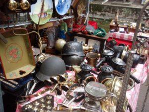 Где продать в россии дорогие новые вещи