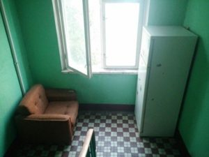 Со скольки можно жить 1 в квартире