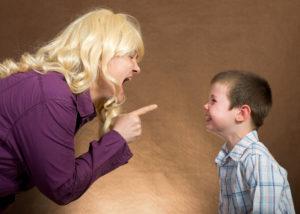 Ребенка бьют дома что делать учителю