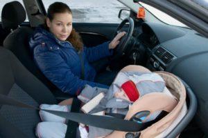 Со скольки лет можно ездить впереди машины без кресла