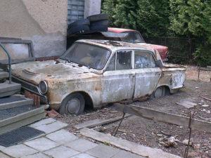 Если во дворе брошенная машина